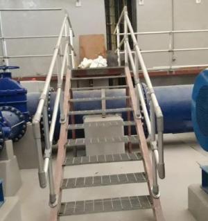 钢楼梯护栏
