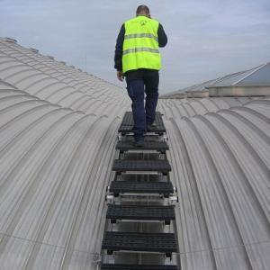 屋顶阶梯踏步